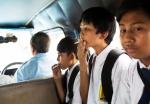 A los niños se les permite fumar dentro de los autobuses escolares. / Foto: Michelle Siu- TIME