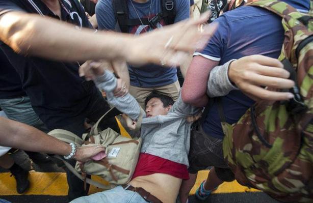 El Congreso del Pueblo había decidido en agosto autorizar elecciones directas en Hong Kong, pero negó la posibilidad de la presentación libre de candidatos.