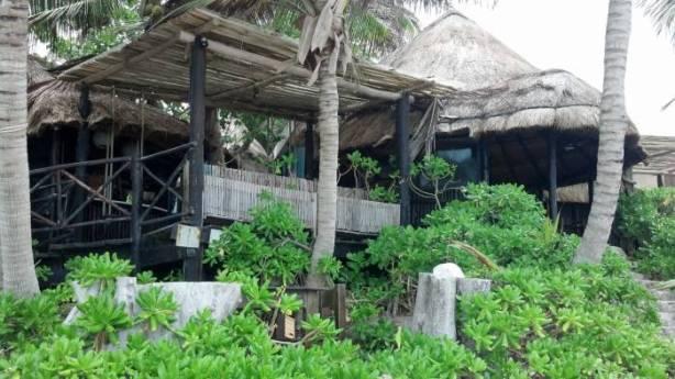 Los hoteles costeros construidos con materiales de la región son los más vulnerables ante un huracán.