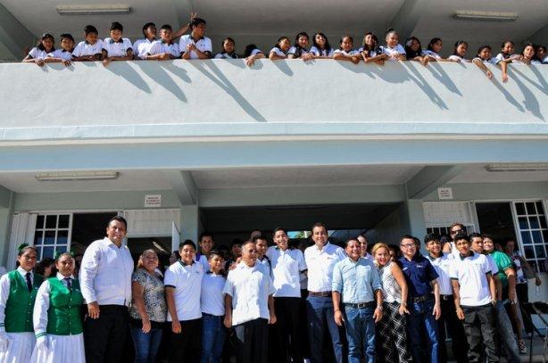 El plantel ofrece las carreras de Alimentos y Bebidas, Hospitalidad Turística y la de Informática, y los jóvenes egresan como Profesional Técnico Bachiller.